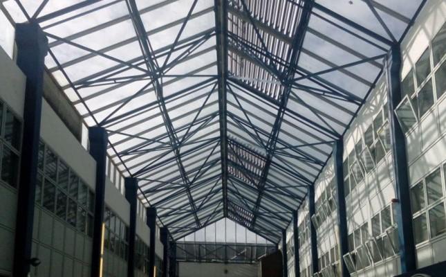 atrium sonnenschutz im lichthof mit sonnenschutzfolien spiegelfolien. Black Bedroom Furniture Sets. Home Design Ideas